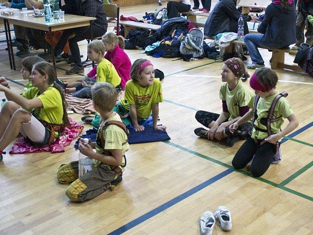Děti soutěžily ve sportovním lezení.