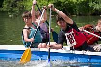 Vodácké závody v Karviné se povedly a děti si jízdy užívaly.