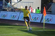 Karvinští fotbalisté (na snímku Bojan letič) odehrají na závěr roku zápas v Plzni.