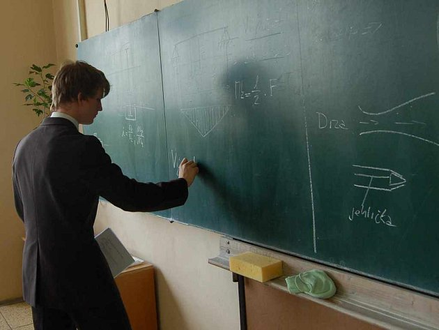 U tabule se většinou získané vědomosti rozplynou jako pára nad hrncem.