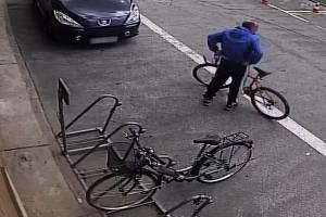 Poznáte muže, který ukradl jízdní kolo?