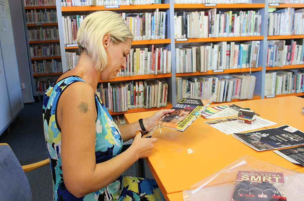 Pro zkušené knihovnice je náročné balení otázka několika málo minut.