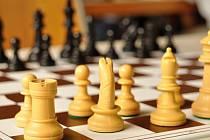 Šachisté Orlové v Kroměříži neprohráli a drží naději na postup.