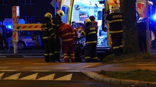 Záchrana muže po pádu z okna v Havířově