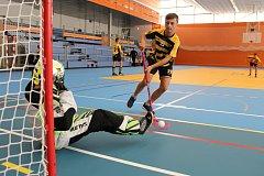Městská sportovní hala v Havířově má novou palubovku. Jako první si ji vyzkoušeli florbalisté Torpeda Havířov.