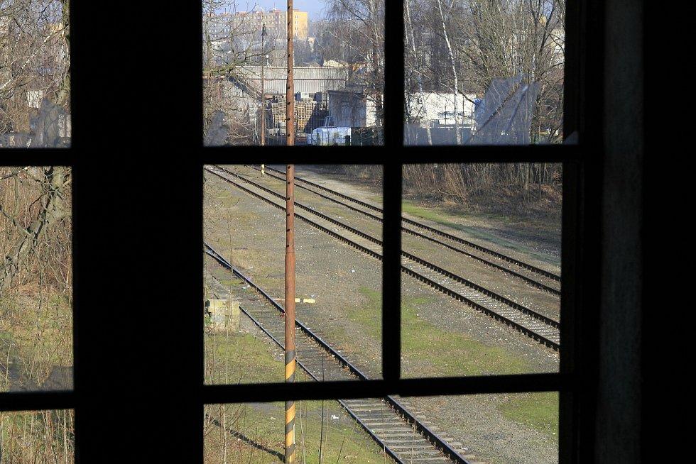 Chátrající budova vlakového nádraží v Karviné-Novém Městě. Vnitřní prostory budovy.