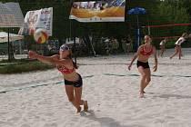 Beachvolejbalistky na mistrovství hráček U17.