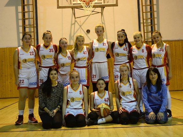 Čtrnáctileté basketbalistky Havířova.
