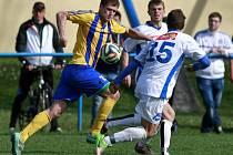 Bohumínský David Jatagandzidis (vlevo) sestřelil dvěma góly silný Háj ve Slezsku.