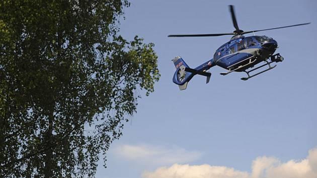 Policejní vrtulník s termovizí - Policejní vrtulník s termovizí. Ilustrační foto.