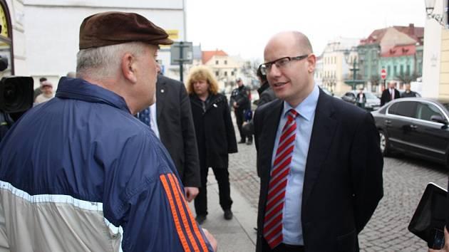 Český premiér Bohuslav Sobotka se při návštěvě Moravskoslezského kraje zastavil i v Karviné.