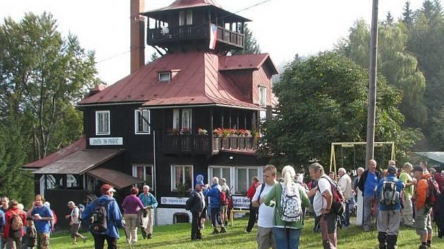 Turistická chata Prašivá pod stejnojmennou beskydskou horou.
