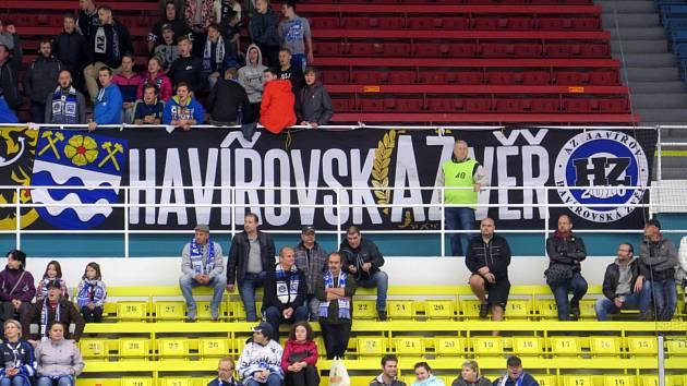8d519dff5bebb Hokejoví fanoušci Havířova si uřízli ostudu, protivníkům měli vzít ...