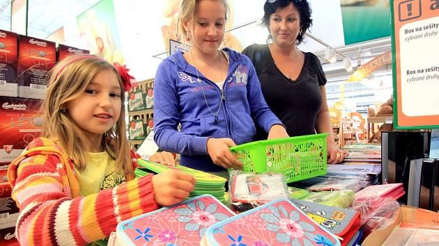 Na nákup potřeb pro školáky je nejvyšší čas. Nabídka je bohatá. Ilustrační snímek.