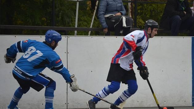Hokejbalisté zahájili sezonu výborně.
