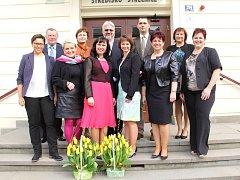 Jedenáct pedagogů českotěšínských škol převzalo ocenění, které město uděluje při příležitosti Dne učitelů.