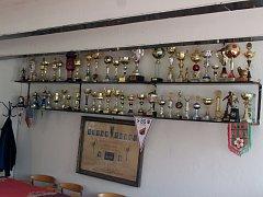 Klubovna a trofeje klubu.