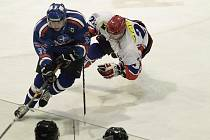 Hokejisté Karviné zahájili semifinále play-off.