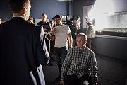 Natáčení filmu České televize Stockholmský syndrom v Havířově. Na snímku (uprostřed) ražisér Dan Svátek, (vlevo) Martin Pechlát, (vpravo) Martin Finger.