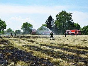 Požár trávy v Rychvaldu