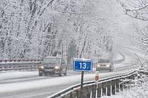 V zimních měsících je na silnicích obzvlášť důležité dbát na bezpečnost a opatrnost.