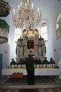 Pastor orlovské evangelické církve Vladislav Szkandera představil na slavnosti také speciální zvonovou publikaci vydanou k tomuto výročí, o hudební zážitek se postaral soubor Ostravské zvony.