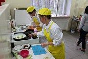 V ZŠ a SŠ Školní v Havířově-Šumbarku se konal 16. ročník soutěže mladých kuchařů.