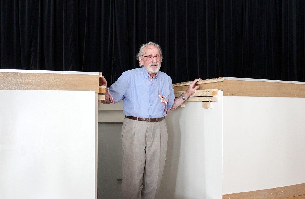 """""""Seriálový Gustlík"""" Franciszek Pieczka se do sálu petrovického kina vrátil po téměř osmdesáti letech."""