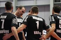 Volejbalisté Havířova (černé dresy) přenechali v derby s Ostravou více bodů hostům.