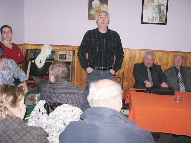 Obyvatelé Zimného dolu debatovali o hrozící těžbě pod lokalitou.