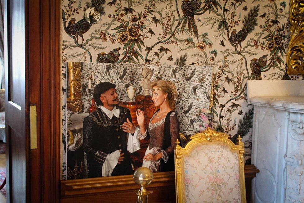 Interiéry karvinského zámku, ve kterých se natáčela filmová pohádka Když draka bolí hlava.