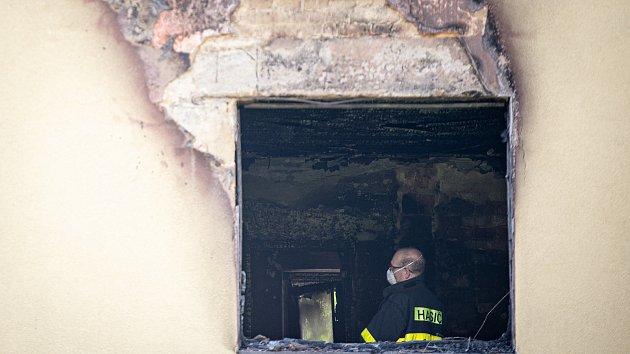 Den po tragickém požáru