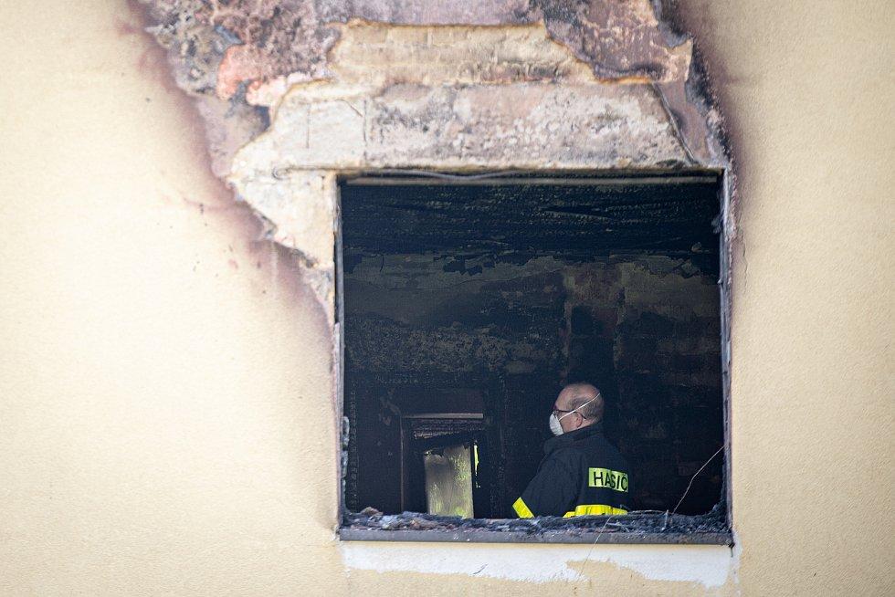 Dům v havířovské čtvrti Šumbark, kde v pondělí (18. května) došlo k požáru. Zemřely při něm dvě malé děti.