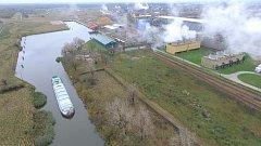Říjnová zkušební plavba z polských chemických závodů AZOTY Kandřín po dokončeném úseku průplavu Dunaj-Odra.