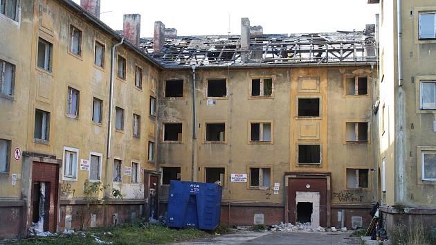 V Karviné se likvidují další vybydlené bytové domy. Tentokrát v ulici Fučíkova.