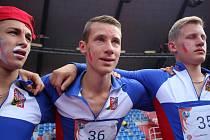 David Staněk (uprostřed) jako součást českého týmu.
