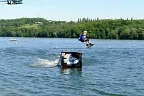 Vodní lyžování na Těrlické přehradě.