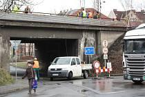 Modernizace železničního koridoru si v Českém Těšíně vyžádala dopravní omezení.
