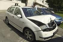 Opilý řidič naboural několik aut a takto si poškodil to své.