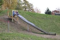 Orlí kaňon na sídlišti v Orlové opět ožil. Jsou v něm nové atrakce pro děti.