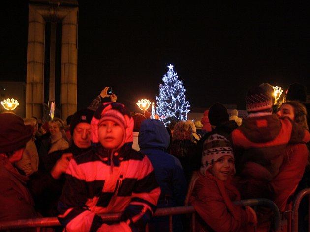 Slavnostní rozsvícení vánočního stromu v Havířově.