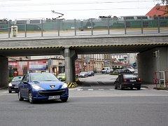 Křižovatka ulic Karvinská a Viaduktová v centru Českého Těšína je problémovým místem.
