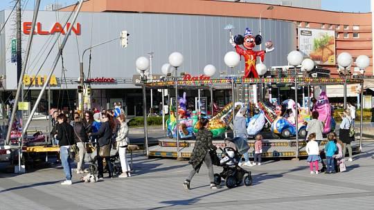 Velikonoční městečko na náměstí Republiky v Havířově, čtvrtek 18. dubna odpoledne.