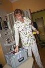 Přímo v práci, tedy v karvinské rájecké nemocnici, volila již v pátek primářka dětského oddělení Nemocnice s poliklinikou Karviná-Ráj Lenka Böhmová.