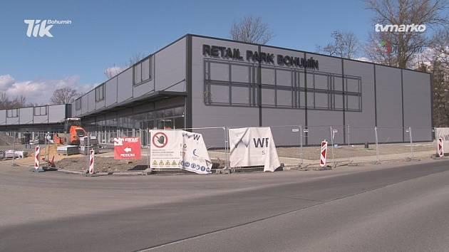 Nová nákupní zóna vzniká v Bohumíně. Březen 2021.