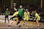 Házenkáři Baníku (u míče Juri Gromyko) nezvládli středeční derby a připsali si první porážku v soutěži.