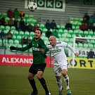 Karvinští fotbalisté (v bílém) svým výkonem proti Jablonci zaujali.