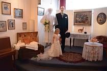 Výstava Svatba dnes a před sto lety je k vidění v bohumínském Salonu Maryška.