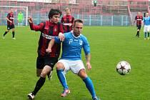 Miroslav Matušovič (v modrém) oslavil povedeným výkonem a výhrou se spoluhráči své 33. narozeniny.