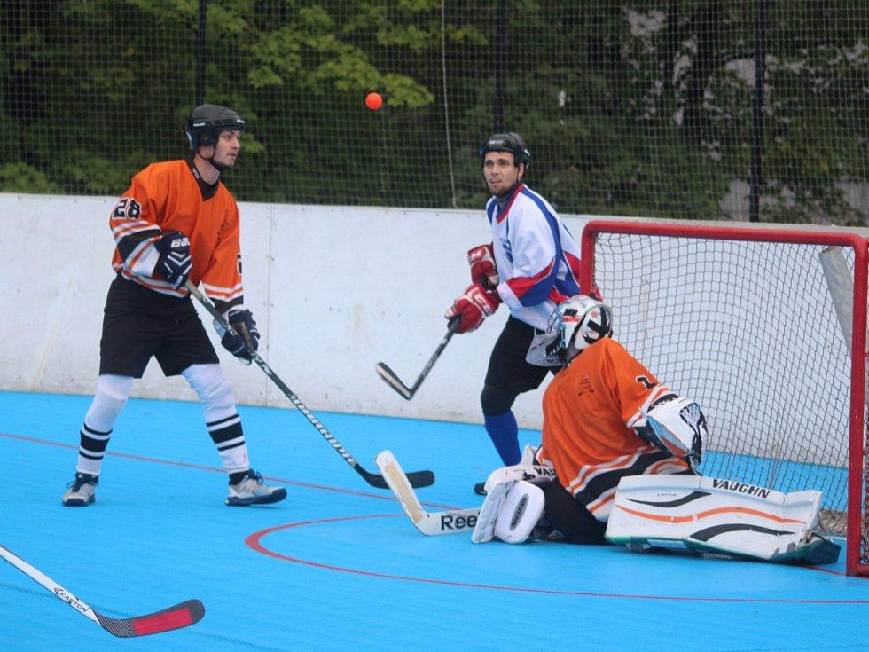 Hokejbalisté Karviné se dostali do čela tabulky.